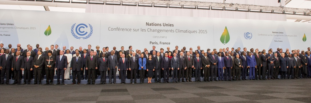 Family Photo of Leaders at COP21